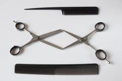 Clips del peine de las tijeras de las herramientas de los peluqueros Imágenes de archivo libres de regalías