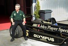 Clive Chapman auf Andrettis Lotus 77. Stockfotos
