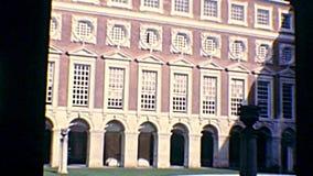 Cloître archivistique de Hampton Court banque de vidéos