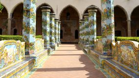 Cloître de Santa Chiara, Naples, Italie images stock