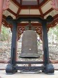 Cloche cérémonieuse énorme, temple, Vietnam. photographie stock