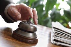 Cloche de service hôtelier photographie stock libre de droits