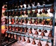 Cloche sainte dans le temple du shiva 108 bardwan Photo stock