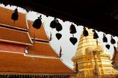Cloches accrochantes sur Doi Suthep Temple, Chiang Mai Images stock