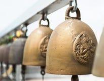 Cloches religieuses dans le temple de la Thaïlande Images stock