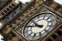 clock det detaljlondon tornet Royaltyfri Bild