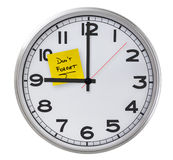 Clock With Don't Forget Stiky Paper Royalty Free Stock Image