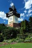 clock graz det gammala tornet Arkivbilder
