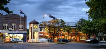 Free Clock Monument In Moss Vale Royalty Free Stock Photos - 140441278