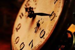 Clock vänder mot Royaltyfria Foton