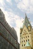 Clocktower de la cathédrale et du musée dans le pasderborn, Allemagne Photos libres de droits