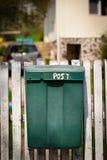 Cloes su di una cassetta delle lettere sulla via Fotografia Stock