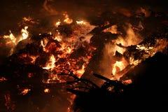 Cloesup extrême d'un feu énorme photographie stock