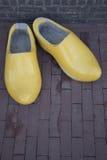 Clogs желтого цвета в Амстердаме Стоковое Изображение RF