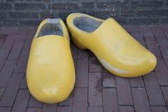 Clogs желтого цвета в Амстердаме Стоковая Фотография RF