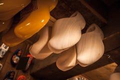 Clogs сделанные вида тополя деревянного Стоковые Фото
