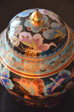 Cloisonne chinês - um detalhe - próximo acima no fundo preto Foto de Stock Royalty Free