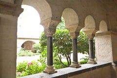 cloister trädgården Royaltyfria Bilder