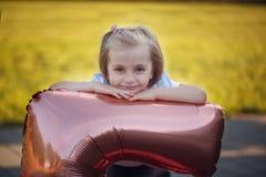 Clooseup ślicznego portreta mała piękna dziewczyna obraz royalty free