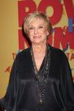 Cloris Leachman llega la ciudad del acontecimiento de Bob Pittman de los honores de la música de la esperanza y del grupo de la in imagen de archivo