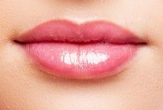 close female lips up Κόκκινο χρώμα στοκ εικόνες