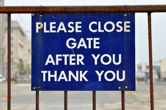 Close Gate Sign