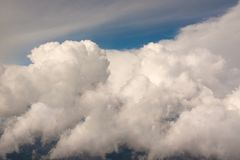 Close shiny clouds on blue sky Royalty Free Stock Photos