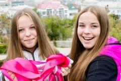 Close-up милых близнецов   Стоковая Фотография RF