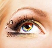 Close-up цветастого людского глаза стоковые фотографии rf