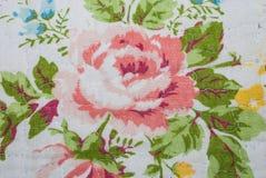 Close-up aan Grote Roze Bloesem Rose Flower Vintage Fabric Royalty-vrije Stock Afbeeldingen