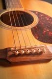 Close-up akoestische gitaar, gefiltreerde wijnoogst Stock Fotografie