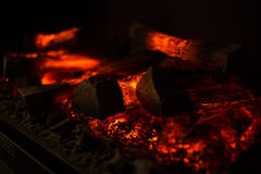 Close up ambarino da cinza de carvão de madeira do fogo Imagem de Stock Royalty Free