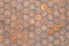 Close up ao fundo dado forma hexágono envelhecido da telha de assoalho imagens de stock royalty free