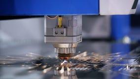 Close up automatizado robótica da operação da solda do laser vídeos de arquivo