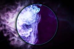 Close-up bevroren abstracte beweging van explosierook royalty-vrije stock foto