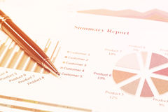 Close up business concept, Pen is on summary report on paperwork Royalty Free Stock Photos
