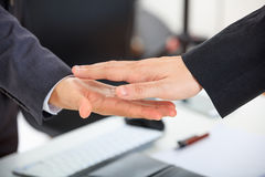 Close up of business handshake Royalty Free Stock Photos