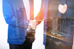 Close up of businessmen shaking hands business success ideas con Royalty Free Stock Photos