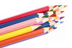 Close-up colorido dos lápis isolado no fundo branco Fotografia de Stock