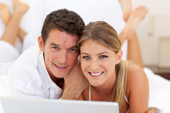 Close-up of a couple surfing the internet Royalty Free Stock Photography