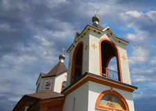 Close-up da arquitetura da igreja cristã com pinturas murais Fotografia de Stock Royalty Free