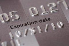 Close-Up da data de validade do cartão de crédito fotos de stock