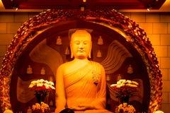 Close up da estátua da Buda em Chung Tai Chan Monastery em Formosa imagens de stock royalty free