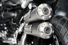Close up da exaustão ou da entrada de competir a motocicleta Pho do baixo ângulo foto de stock royalty free