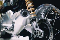 Close up da exaustão ou da entrada de competir a motocicleta Pho do baixo ângulo fotos de stock royalty free