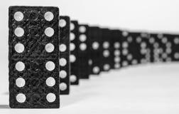 Close up da fileira do dominó Imagens de Stock Royalty Free