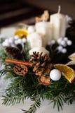 Close up da grinalda de Advent Christmas com velas fotografia de stock royalty free