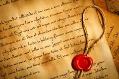 Close up da letra antiga com selo da cera Foto de Stock