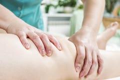 Close-up da massagem do pé foto de stock