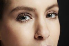 Close-up da mulher bonita Fotografia de Stock Royalty Free